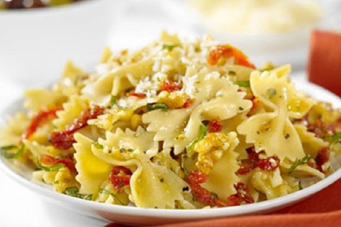 ProteinPLUS® Farfalle With Sun-Dried Tomatoes, Walnuts, Basil, And ...
